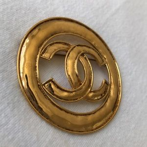 CHANEL Accessories - ✨Vintage CHANEL brooch ✨